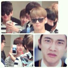 Exo Funny Memes - chanyeol was showing baekhyun the pic of kyungsoo crying in it s