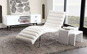 Chaise Longue Pronunciation 12 Of The Best Looking Modern Chaise Lounges Apartment Therapy