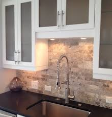 kitchen backsplash travertine travertine tile backsplash 1000 images about kitchen backsplash on