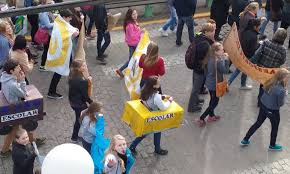 manifestação pelo transporte escolar movimenta canguçu canguçu