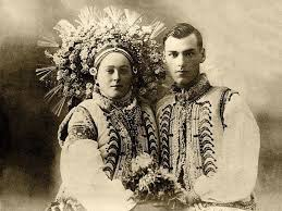 resurrecting the incredible flower crowns of old ukrainian wedding