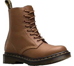 womens casual boots canada dr martens shoes casual boots fashioniable on sale canada