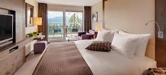 chambre deluxe alpina deluxe luxury sport resort crans ambassador