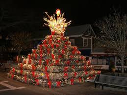 crazy christmas tree lights new england s crazy christmas tree tradition