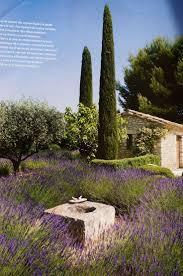 Un Mas En Provence Best 10 Provence Garden Ideas On Pinterest Stone Fountains