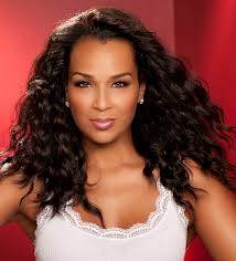 lisa raye hair line 7 celebrities with their own hair extension collections
