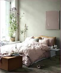 chambre gris vert beautiful idee deco chambre gris vert s design trends 2017 2f5 chambre
