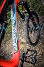 bicycle boots giveaway tlw edition scott genius lt 710 the loam wolf