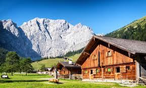 Alleinstehendes Haus Kaufen Bauernhaus Kaufen In Der Schweiz Moneypark