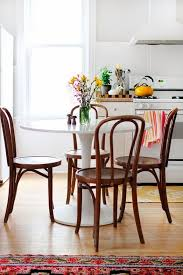 Cafe Style Table And Chairs 4 Decorating Ideas Using Bentwood Chairs In Your Living Rooms