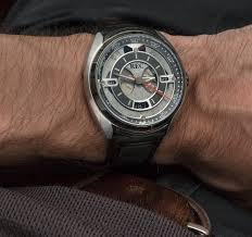 Porsche 911 Automatic - rec 901 automatic watch review made from recycled porsche 911