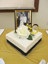simple 50th anniversary cakes 50th golden wedding anniversary