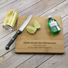 personalised cutting board personalised g t chopping board prezzely