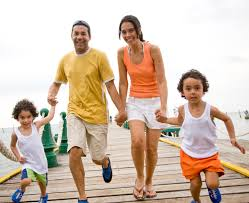 8 ways to save for a family vacation