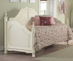 Kids Bedroom Furniture For Girls Peoria Il Homelegance Cinderella Bedroom Collection Ecru B1386