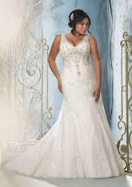 wedding dresses for plus size women 25 stunning plus size wedding dresses for every style of nuptial