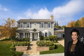 Kris Jenner Backyard Kris Jenner Quietly Sells Calabasas Mini Mansion At A Slight