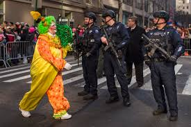 big balloons heavy security for nyc thanksgiving parade kmph