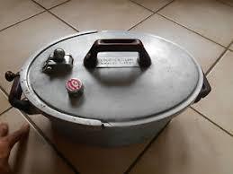 cocotte cuisine ancienne casserole aluminium ovale la cocotte moderne vintage