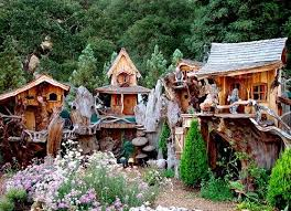 Cool Tree Houses 172 Best Treehouses Images On Pinterest Architecture Treehouses