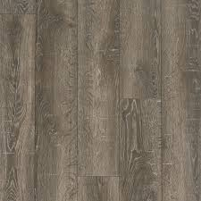 Majestic Baby Grand Laminate Flooring Style Selections 6 14 In W X 3 96 Ft L Park Lodge Oak Embossed