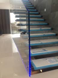 led treppe glasgeländer treppe mit led crealine