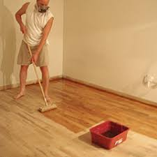 applying polyurethane finish for an hardwood floor