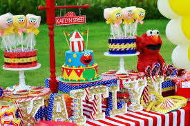elmo birthday party elmo circus party by schwaigert birthday express