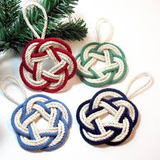 tree ornament with yarn