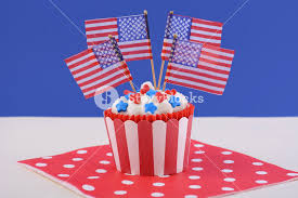 usa theme cupcake with hearts and blue decorations