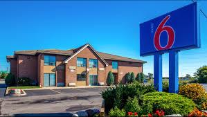 Hotels Near Fashion Island Motel 6 Buffalo Amherst Hotel In Amherst Ny 89 Motel6 Com
