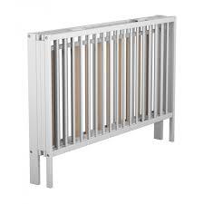 chambre bébé laqué blanc lit bébé pliant blanc à barreaux 60x120