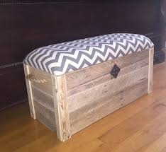 Diy Wooden Storage Bench by Best 20 Storage Chest Ideas On Pinterest Diy Furniture Plans