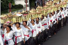 what festivals do the hindus in indonesia celebrate if they