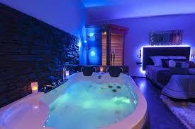 chambre avec balneo privatif chambre avec ideal pour une nuit d amour insolite spas