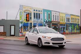 voiture ford ford estime que les vraies voitures autonomes arrivent entre 2026
