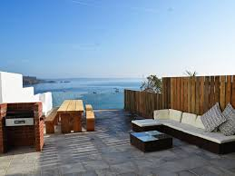 w2327 large 6 bedroom house with uninterrupted sea views