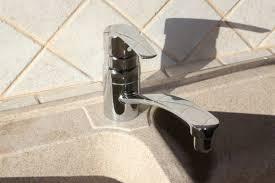 changer mitigeur cuisine brico remplacer un mitigeur d évier