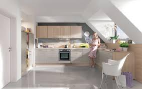 dachgeschoss k che graue küche vergleichen graue küche günstig kaufen mit kitchenadvisor