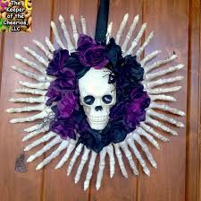 Halloween Decor Stores Near Me by Diy Halloween Decorations Spooky Halloween Garland Zombie