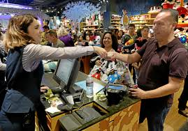 black friday disney store shoppers brave long lines big crowds to snag black friday