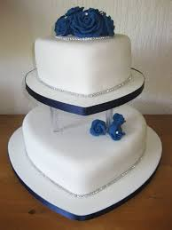 heart shaped wedding cakes best 25 blue heart shaped wedding cakes ideas on