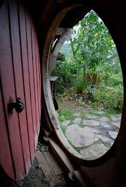 Hobbit Hole Washington by Round Hobbit Doors U0026 Hobbit Kitchen I Want One Round Attributes