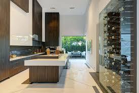 cuisine avec cave a vin 12 ères d intégrer une cave à vin dans votre cuisine bricobistro