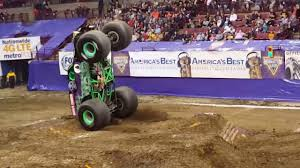 monster truck videos freestyle grave digger monster truck freestyle monster jam columbus 2017