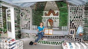 one houses one of the three houses foto de the bottle houses wellington