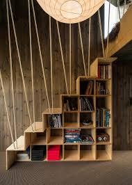 garde corps bois escalier interieur bibliothèque escalier design en 8 exemples contemporains