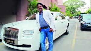 roll royce bangalore read the story of ramesh babu a billionaire barber from banglore