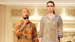 Batik Danar Hadi culture in resplendency kolaborasi danar hadi dan perancang muda
