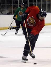 elliott u0027s turn from hockey pro to coast builder is a score the